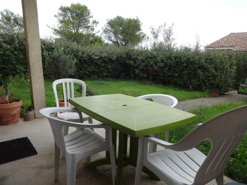 Vente vente maison de plain pied 2 chambres avec jardin et parking proche nimes - Maison jardin menu nimes ...